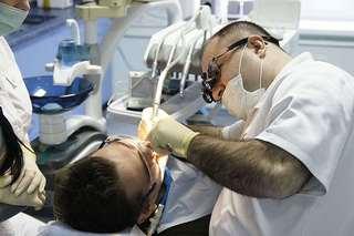 «5 Плюс» - лечение, протезирование, имплантация зубов